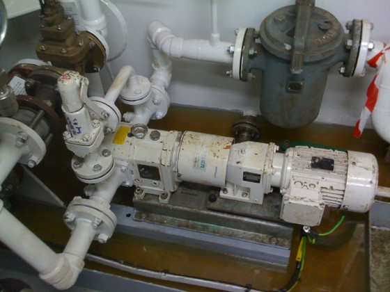 采油平台污油抽吸采用罗德橡胶转子泵