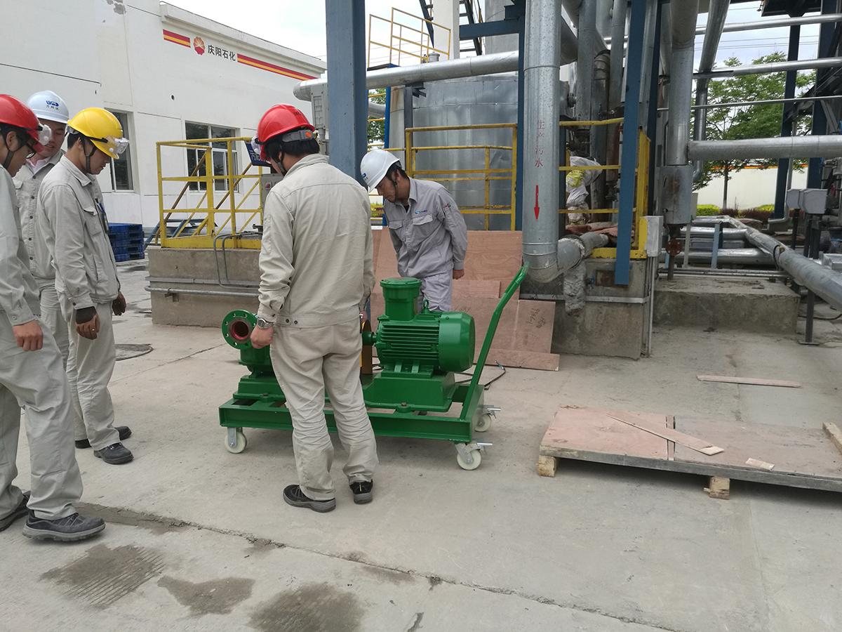 罐底污油自吸泵(移动式)