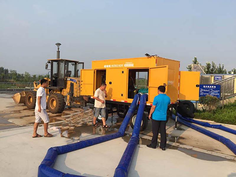 抗旱排涝移动泵车