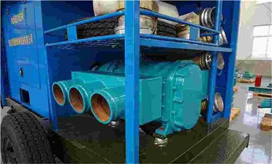应急排涝移动泵车